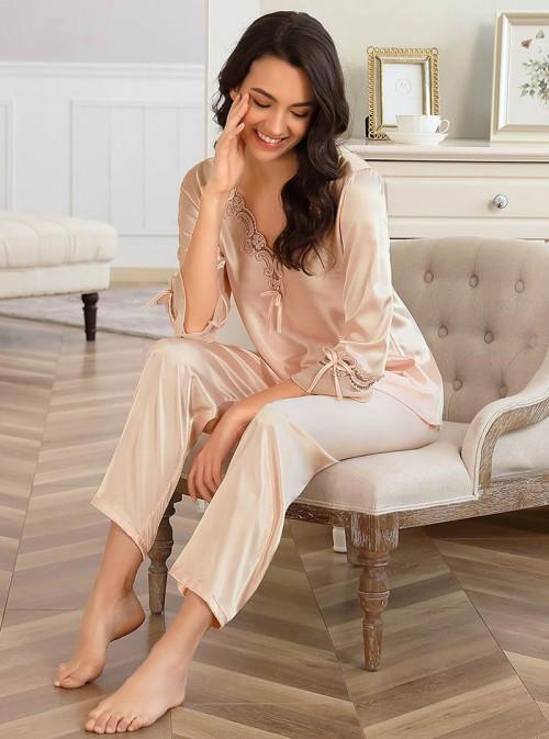 Pyjama champagne en satin Kalissa